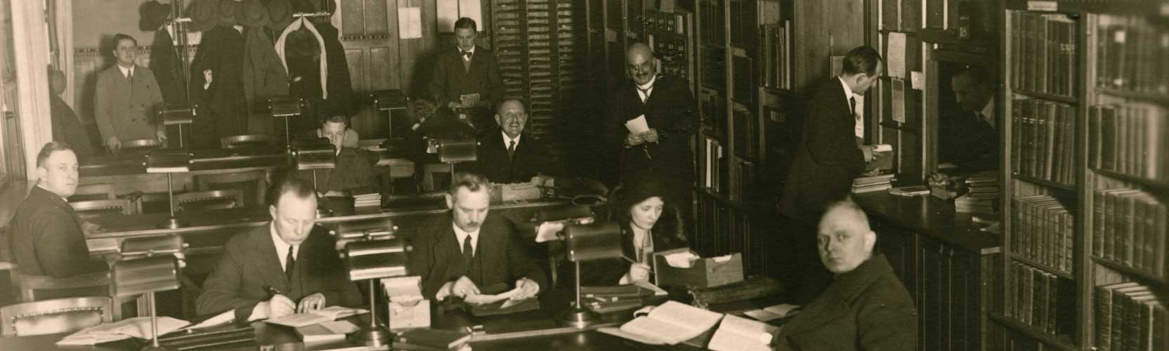 Reading room of the teachers' library, 1925